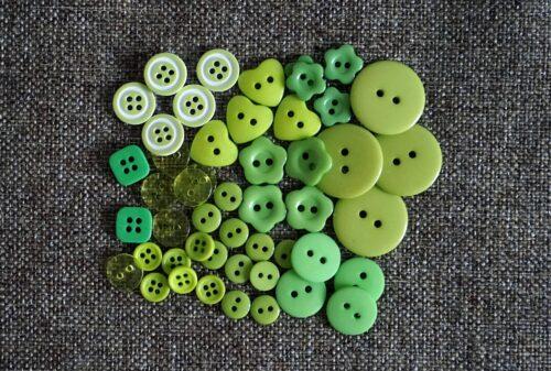 GeroniGombok - Zöld színű gombválogatás műanyag gombokkal (50db)